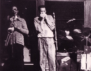 Wallace Coleman playing with the Robert Lockwood Band at Brothers in Cleveland, Ohio, in 1990